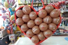 Κουτί με σοκολατάκια από μπαλόνια και ερωτικά μηνύματα